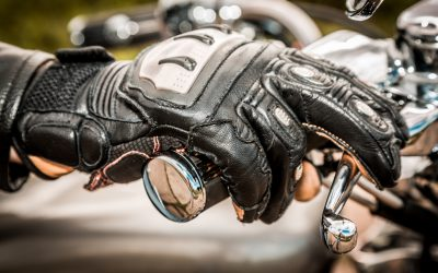 Why Gloves are A Necessity, Even in Warm Weather