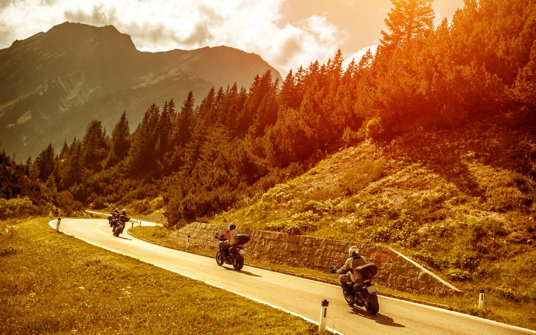New Rider: How to Navigate Blind Turns on Your Motorcycle